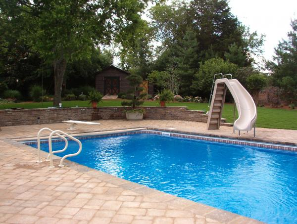 Nashville pool slide banzai bob pool spa for Pool design nashville